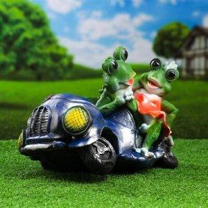"""Садовая фигура """"Лягушки в автомобиле №1"""" 34*22*24 см"""