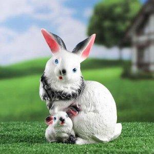 """Садовая фигура """"Зайчиха с малышом"""", серый цвет, 23 см, микс"""