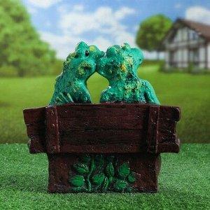 """Садовая фигура """"Лягушка на лавке"""", зелёный цвет, 29 см, микс"""