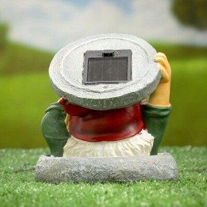 """Садовый светильник """"Гном в люке"""" на солнечной батарее, 11 см"""