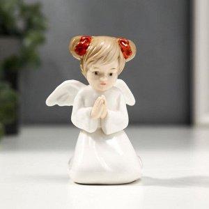 "Сувенир керамика ""Ангел-девочка с хвостиками - молитва"" 8,5х6х6,5 см"