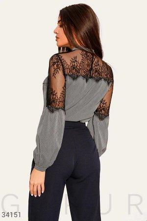 Блуза с ажурным декором