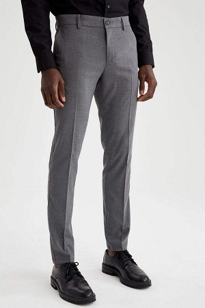 брюки Размеры модели: рост: 1,88 грудь: 95 талия: 70 Надет размер: размер 32 - рост 32 Elastan 2%, Вискоз 35%, Полиэстер 63%