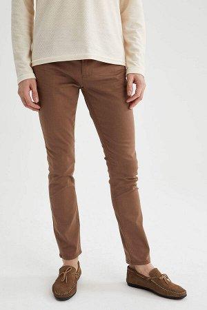 брюки Размеры модели: рост: 1,88 грудь: 98 талия: 82 бедра: 95 Надет размер: размер 32 - рост 32  Хлопок 65%,Elastan 2%, Полиэстер 33%