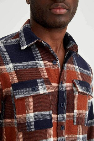 рубашка Размеры модели: рост: 1,88 грудь: 95 талия: 70 Надет размер: M  Акрил 40%, Хлопок 16%, Вискоз 18%, Полиэстер 26%