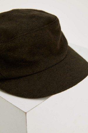 шапка Размеры модели: рост: 1,82 грудь: 98 талия: 81 бедра: 96 Надет размер: STD  Полиэстер 39%, Вискоз 15%, Акрил 28%, Хлопок 18%