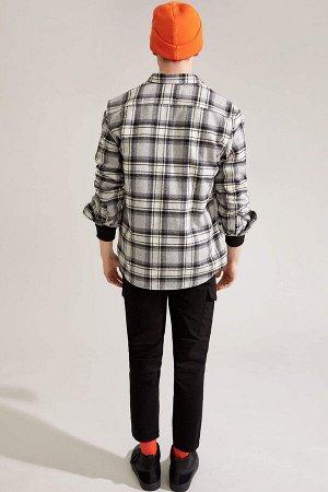 брюки Размеры модели: рост: 1,92 грудь: 96 талия: 80 бедра: 95 Надет размер: 32  Хлопок 97%,Elastan 3%