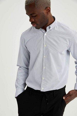 рубашка Размеры модели: рост: 1,88 грудь: 95 талия: 70 Надет размер: M  Полиэстер 56%, Хлопок 44%