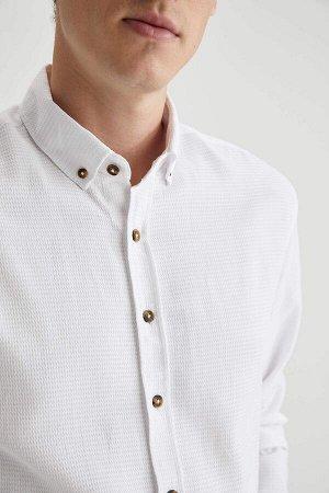 рубашка Размеры модели: рост: 1,88 грудь: 98 талия: 82 бедра: 95 Надет размер: M  Хлопок 55%, Полиэстер 45%