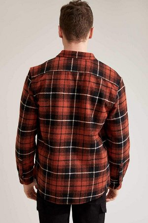 рубашка Размеры модели: рост: 1,92 грудь: 96 талия: 80 бедра: 95 Надет размер: M  Акрил 29%, Хлопок 17%, Вискоз 19%, Полиэстер 35%