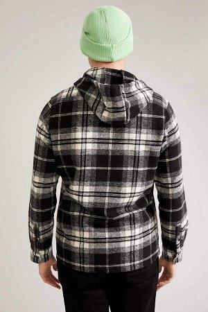 рубашка Размеры модели: рост: 1,88 грудь: 89 талия: 74 Надет размер: M  Вискоз 19%, Хлопок 17%, Полиэстер 35%, Акрил 29%
