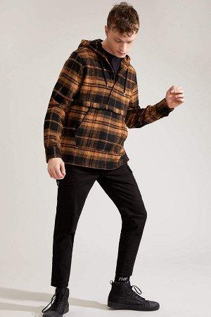 рубашка Размеры модели: рост: 1,88 грудь: 89 талия: 74 Надет размер: M  Акрил 29%, Хлопок 17%, Вискоз 19%, Полиэстер 35%
