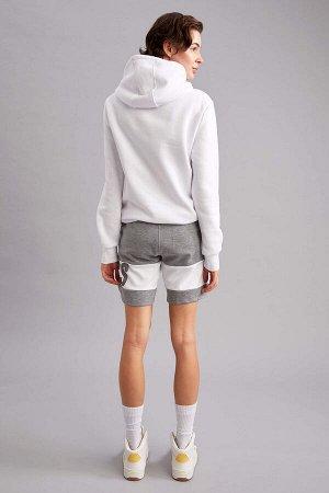 шорты Размеры модели: рост: 1,79 грудь: 83 талия: 62 бедра: 88 Надет размер: XS  Хлопок 17%, Полиэстер 83%