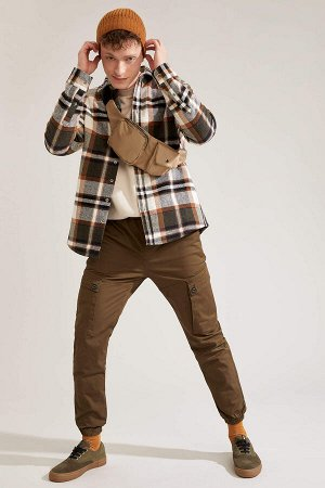 брюки Размеры модели: рост: 1,92 грудь: 96 талия: 80 бедра: 95 Надет размер: 32  Хлопок 98%,Elastan 2%