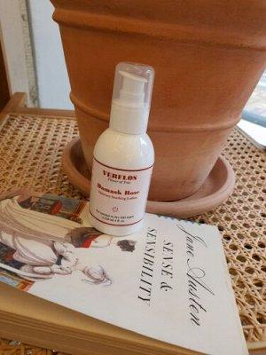 Увлажняющий  успокаивающий лосьон для лица с экстрактом дамасской розы «VERFLOS» Damask rose moisture soothing lotion Damask rose moisture soothing lotion 120 мл