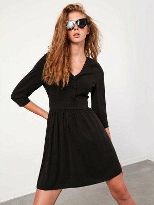 Платье Длина: Выше колена Форма: Стандарт Тип товара: Платье Воротник: V образный вырез Силуэт: Облегающая талия Размерный ряд модели: S, XL, XS Варианты цветов модели: New Black Состав: Основной мате