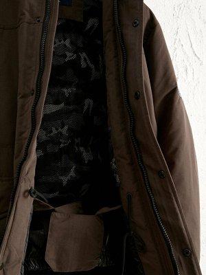 Парка Длина: Длина пальто Толщина: Толстая Длина рукава: Длинный рукав Тип товара: Парка Воротник: Стойка Капюшон: Шаль Материал подкладки: Подкладка из тафты Размерный ряд модели: S, 2XL, 3XL, M, XL