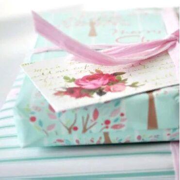 Экспресс💥Подарки для всех)  — Упаковываем подарки правильно - Подарочная бумага — Подарочная упаковка