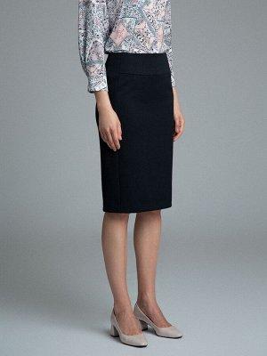 Юбка Состав ткани: Вискоза 60%, Полиэстер 37%, Эластан 3% Длина: 65 См. Описание модели Классическая юбка для образов в деловом стиле. Кокетка спереди, сзади дополнительные вытачки, потайная застежка-