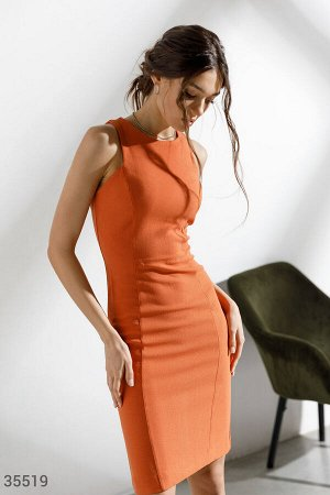 Облегающее открытое платье