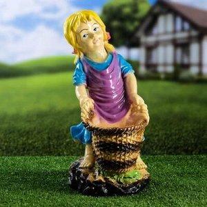 """Садовая фигура """"Девочка с корзинкой"""" разноцветная, 38 см, микс"""