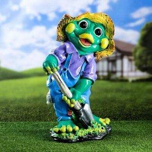 """Садовая фигура """"Лягушка с лопатой"""", зелёный цвет, 50 см, микс"""