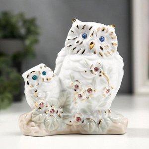 """Сувенир керамика """"Белый филин с совёнком"""" с золотом, стразы 10,7 см"""