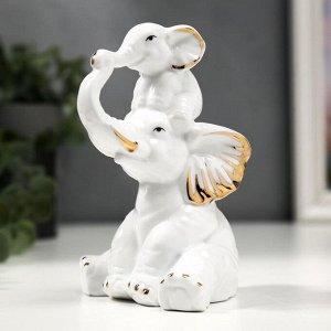 """Сувенир керамика """"Слон со слонёнком"""" белый с золотом 12,7 см"""
