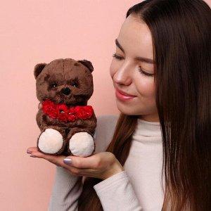 Мягкая игрушка «Ted с красным букетом», мишка