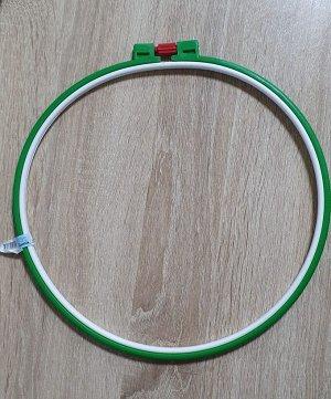 Пяльцы пластиковые круглые d26см цвет зеленый,синий.Без выбора цвета.