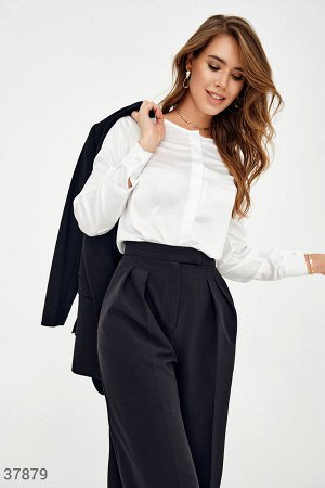 Белоснежная шелковая блуза