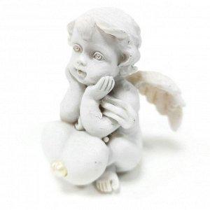 """Фигура """"Ангел"""" белый с сердечком размер 4*4*5см"""