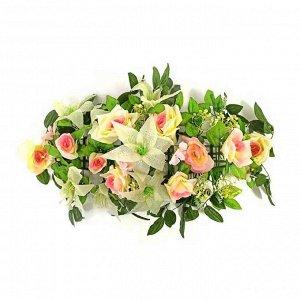 Букет свадебный кремовые цветы на радиатор