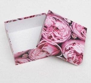 Коробка подарочная Пионы 03