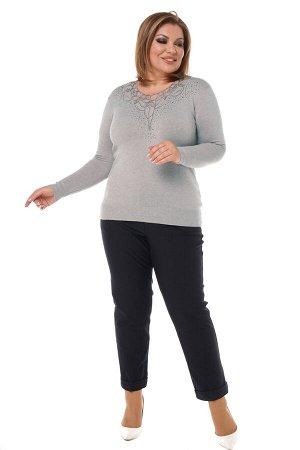 Кофта-3972 Материал: Кашемир;   Фасон: Кофта; Длина рукава: Длинный рукав; Параметры модели: Рост 173 см, Размер 54 Кофта кашемировая с вышитым рисунком со стразами на груди серая Кофта из мягкого три