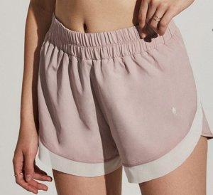 Женские спортивные шорты на резинке, декор сетчатые вставки, цвет розовый/белый