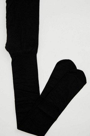 Носки Размеры модели:  рост: 1,77 грудь: 81 талия: 61 Надет размер: STD Elastan 17%,Poliamid 83%