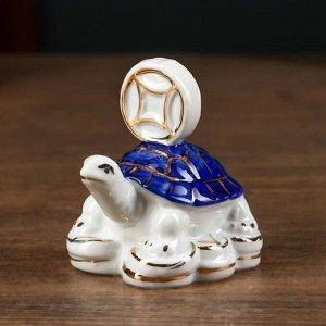 """Сувенир керамика нэцке """"Черепаха с китайской монетой"""" бело-синяя с золотом 7,5х7,5х5 см"""