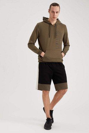 шорты Размеры модели: рост: 1,92 грудь: 96 талия: 80 бедра: 95 Надет размер: L  Хлопок 46%, Полиэстер 54%