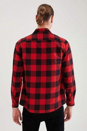 рубашка Размеры модели: рост: 1,92 грудь: 96 талия: 80 бедра: 95 Надет размер: M  Хлопок 100%