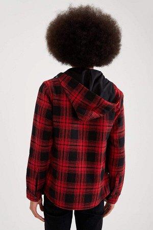 рубашка Размеры модели: рост: 1,87 грудь: 95 талия: 73 бедра: 93 Надет размер: M  Акрил 20%, Вискоз 15%, Полиэстер 36%, Хлопок 29%