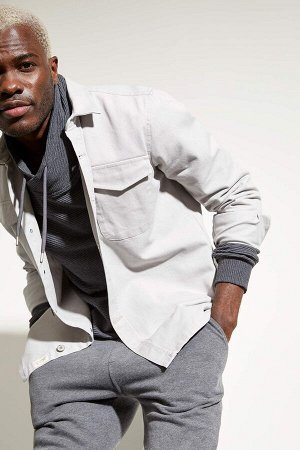 рубашка Размеры модели: рост: 1,88 грудь: 95 талия: 70 Надет размер: L  Хлопок 100%