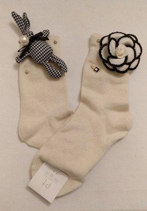 Носки с кроликом