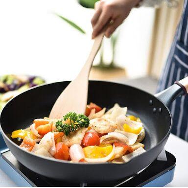Сковороды чугунные, жаровни, сковороды для подачи — Сковороды блинные, ВОК, глубокие и крышки — Классические сковороды