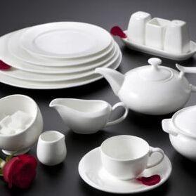 Сковороды чугунные, жаровни, сковороды для подачи — Фарфор Премиум КНР, молочный оттенок — Тарелки