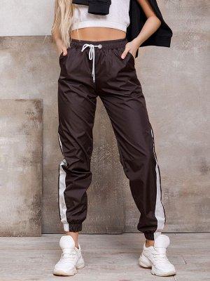 Свободные темно-коричневые спортивные штаны с вставками