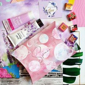 """Подарок Размер коробочки 19 × 14 × 4 см, пенка для умывания+крем для рук """"Лаванда"""", открытка, сладкий презент(мармелад, шоколад,жевательная резинка или конфеты на выбор поставщика)"""