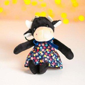 Мягкая игрушка «Коровка в платье», на брелоке