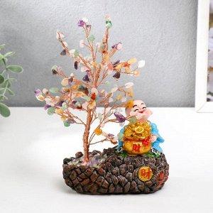 """Сувенир бонсай 147 камней """"Хотей со слитками у дерева с кристаллами"""" 18х11х6 см"""