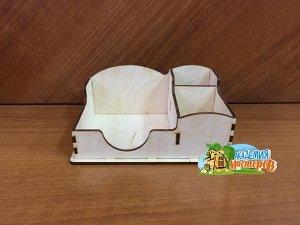 Стикерница Стикерница, (продается в разобранном виде), не комплектуется фурнитурой, габаритный размер: 16*11*6,5 см, внутренний размер под стикеры: 9,5*9,5*6 см, внутренний размер среднего отделения:
